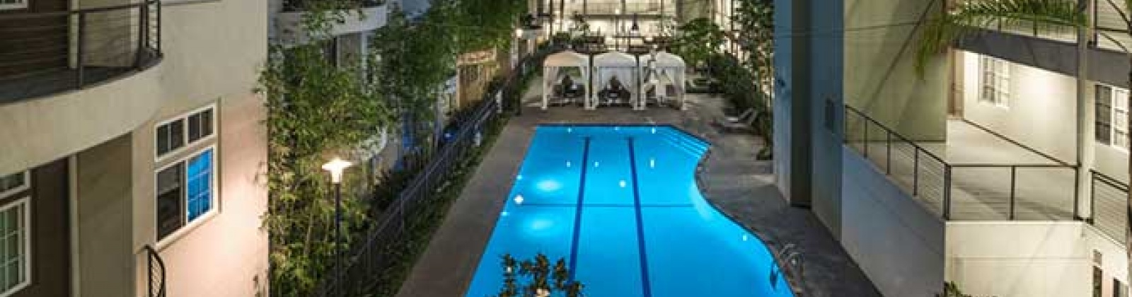 Axis 2300 Apartment Poolside Amenities